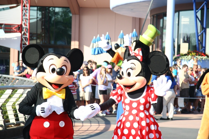 Disney Parade - Mickey and Mini